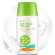 Солнцезащитное молочко для жирной и комбинированной кожи с расширенными порами Scinic Enjoy Silky Pore Sun Milk SPF50+/PA+++