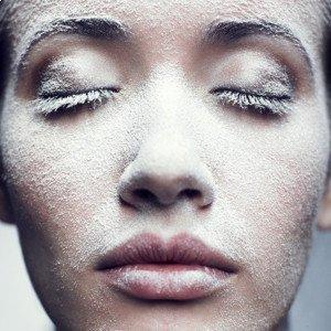 Зимний уход за жирной обезвоженной кожей лица в домашних условиях